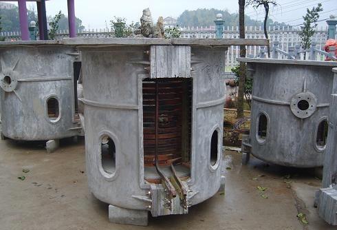 350公斤中頻熔煉爐