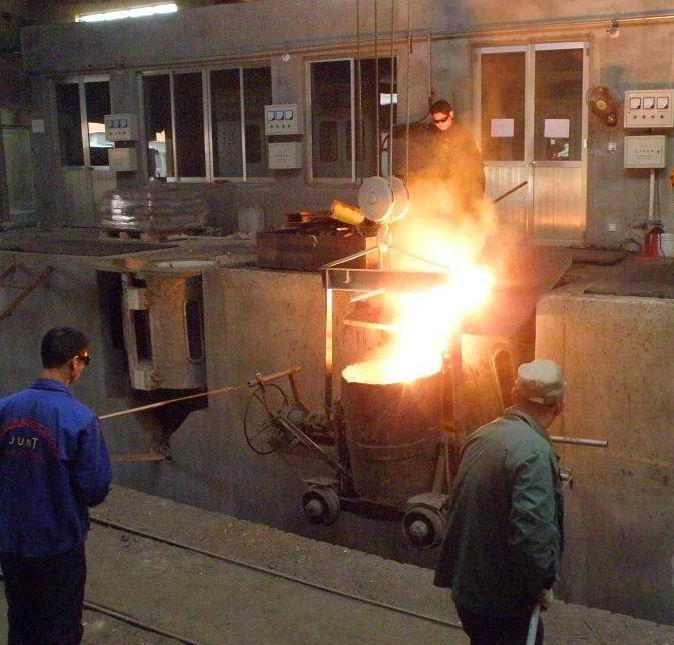 工頻感應熔煉爐的操作注意事項有哪些