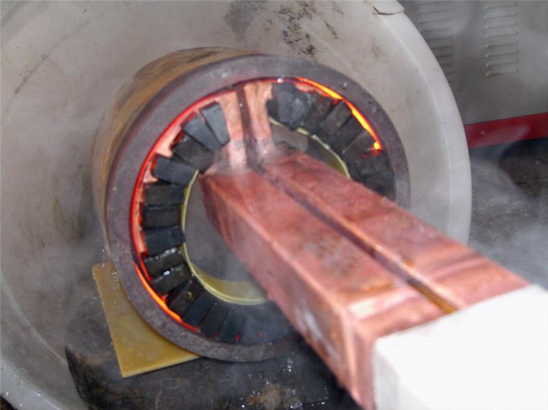 上海齿轮高频淬火设备 用这台高频机进行表面淬火处理