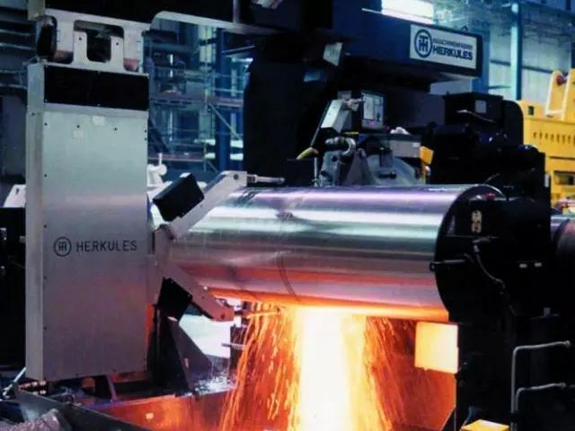 轧辊淬火炉 回火炉 由角钢及钢板焊接而成